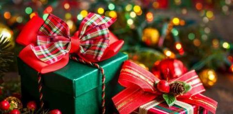 往年热闹非凡的圣诞节,今年一下变得冷清,平安果更是无人购买