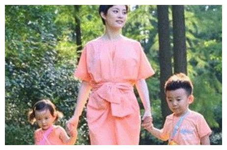 孙俪4岁女儿近照曝光, 完美继承父母高颜值, 被赞最美星二代