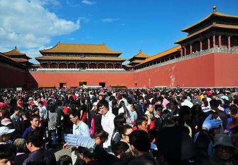 """中国境内现实版""""女儿国"""",成世界上最大的女生宿舍,男性靠边站"""