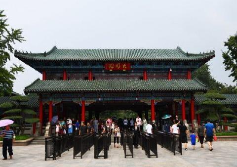 山东济南免费开放的风景区:大明湖风景名胜区,还没去太可惜了!