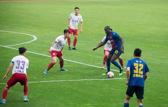 亚亚-图雷:我来中国踢球不是度假,是在工作