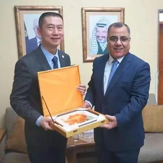 【新闻速递】驻巴勒斯坦办事处主任郭伟会见巴政府发言人米勒西姆