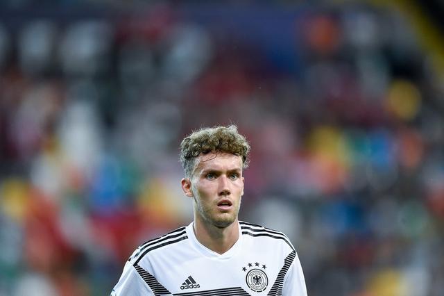 德国大将面部骨折且伴有脑震荡 右膝脚踝受伤