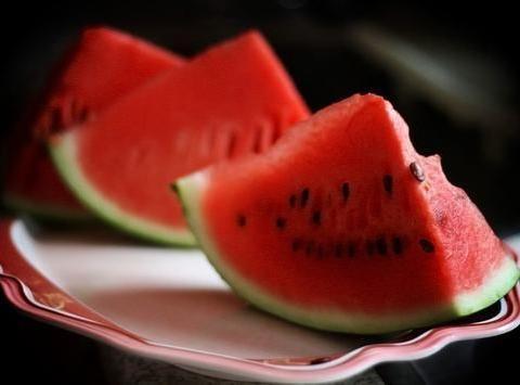 女性推荐多吃3种食物,美容养生、滋润肌肤,好处多多!