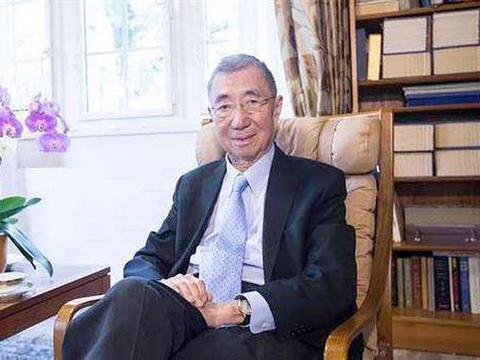 丁肇中生于美国,是中科院外籍院士,却在诺贝尔奖典礼上说中国话