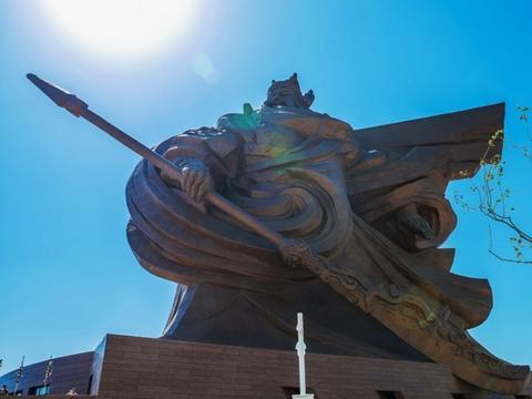 湖北15亿打造一个雕像,门票120元,游客寥寥无几,这钱白花了