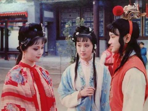 红楼梦一大谜团:宝钗有金锁、湘云有金麒麟,为何唯独黛玉无金?