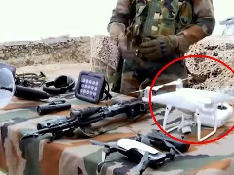 印巴停火线,印军哨所对外展示装备,意外发现