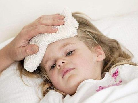 """立冬后,孩子保暖,家长要做到""""三捂两不捂"""",孩子身体好生病少"""