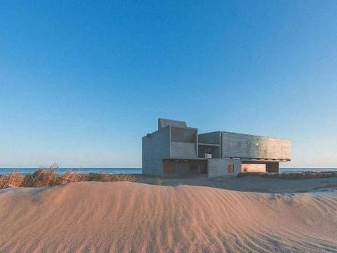 最孤独的图书馆,独自在海边面朝大海,就在国内且免费