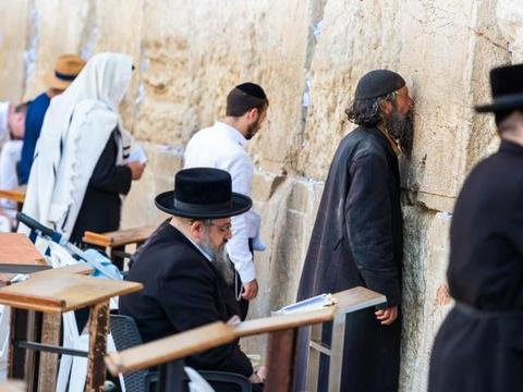 """全球最""""悲伤""""的墙,每年都会有人来哭诉,场面很是壮观"""
