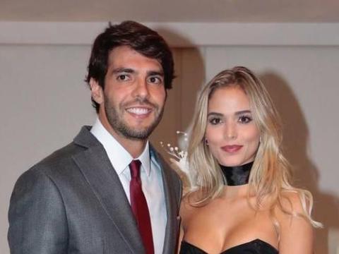 """37岁足球先生再婚 妻子是巴西嫩模 前妻送祝福堪称""""世界好前妻"""""""