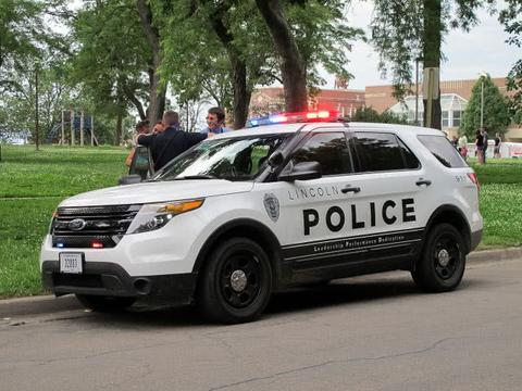 美警在警局浴室外手机偷拍录115段视频判6年,高级长官也遭拍