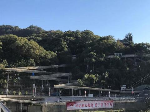 南平九峰山空中栈道今日试开放 41岁的九峰山公园添新景