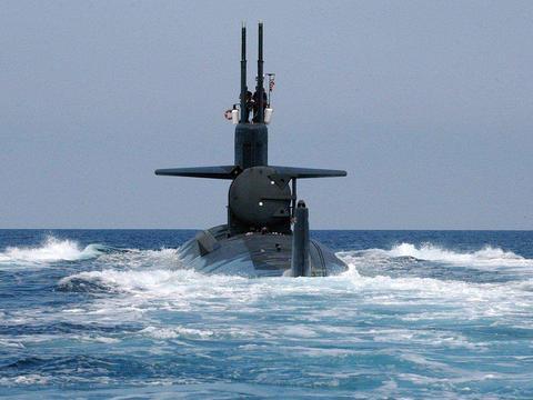 """美国核潜艇差点被""""团灭""""?此国军演玩真的 引爆70米深水炸弹"""