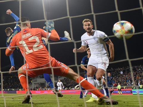 凯恩欧洲杯热身赛创新纪录,成英格兰足球史上第一人