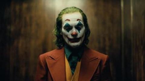 《小丑》最恐怖的一个时刻,所有的事情都在这一个时刻,细思极恐