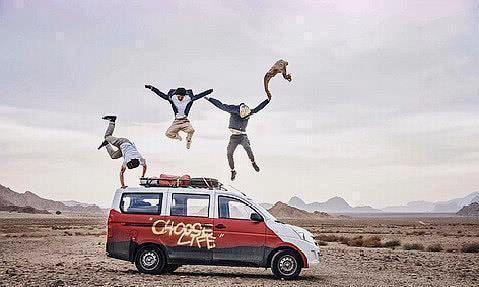 上海95后少年开面包车穿越三大洲34国家 环游世界是多少人的梦?