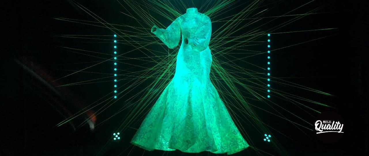 当艺术家与科学家身份重叠,或许可以窥见人类的未来世界