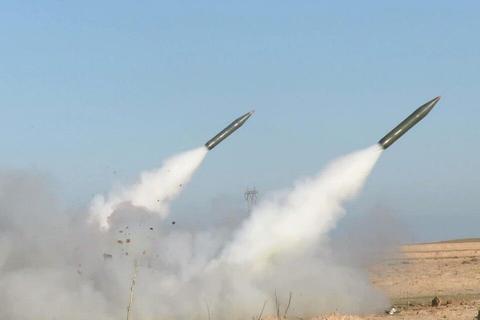 火箭弹密集袭来!美国外交官仓皇撤离大使馆,兵分两路避难