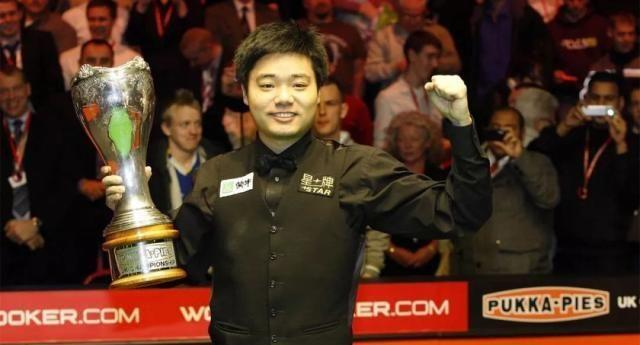 怀念!十年前,丁俊晖战胜戴维斯、希金斯,两夺英锦赛冠军