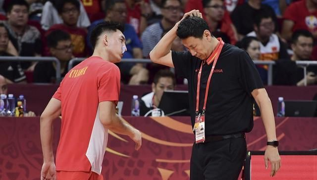 单场8记三分狂砍30分,世界杯男篮弃将彻底爆发,李楠后悔了吗?