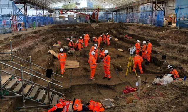 工业老牌发达国10年修不好一条铁路,英国人民忍无可忍:让中国来