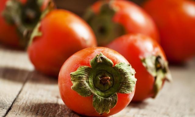柿子只能当水果吃吗?这样做百吃不厌,抗寒又润肺