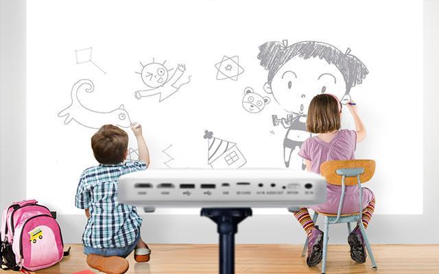"""孩子不听话总在墙上""""涂鸦""""?睿智父母巧用""""阿伦森效应""""来引导"""