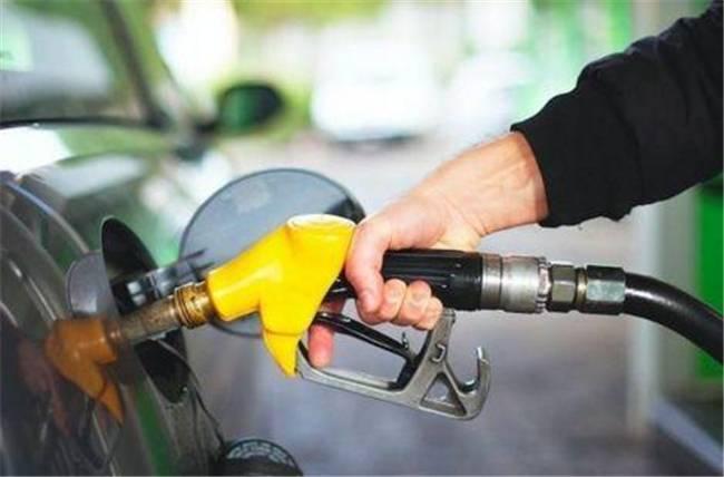 油价迎年内第13次上调、博世斥10亿欧建自动驾驶汽车芯片厂