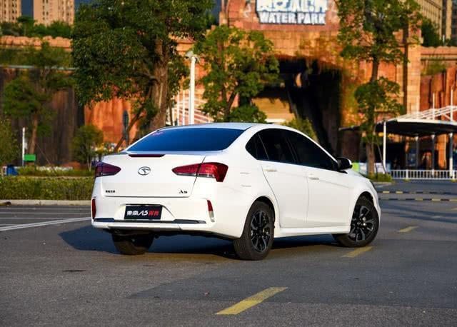 四线品牌造了一辆好车,四轮独悬,全铝四缸发动机,官方价4.99万
