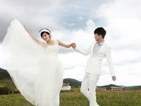 张杰谢娜又爆离婚?真OR假,曾经大理旅拍婚纱照记录他们的爱情