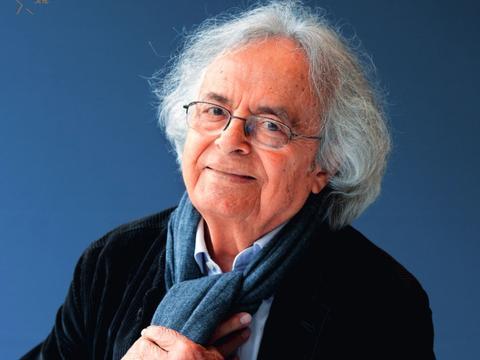 诺奖大热诗人为中国写了首诗,语言是他唯一的行李