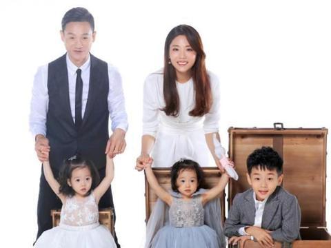 """杨威才是""""平等教育"""",双胞胎女儿公平遗传好基因"""