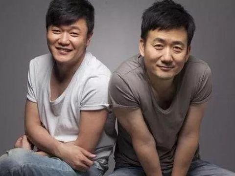 唱《小苹果》的筷子兄弟生活大不同 一个身价上亿一个负债累累