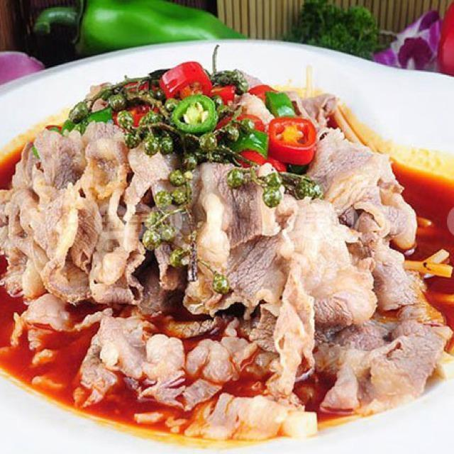 美食:水煮肥牛,南瓜粉蒸肉,家常豆腐猪血
