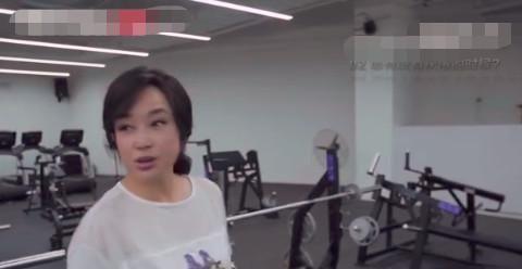 刘晓庆自曝历任前男友都还爱她,大方回应整容:我老不成