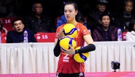 0-3,辽宁女排主场0分!段放低迷,王一梅着急跺脚,江苏5连胜