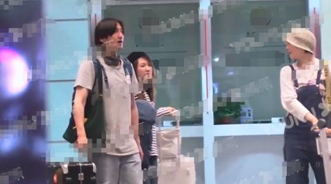王传君与齐溪共处一室,疑似恋情曝光,女方刚刚离婚不到两月