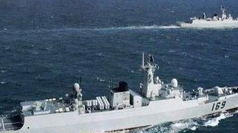 我国海军大变化,辽宁舰失去领头羊位置,带领大批军舰离港
