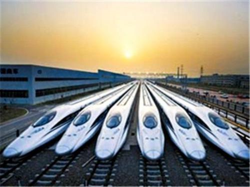 为何我国高铁技术世界领先,汽车却一直落后呢?