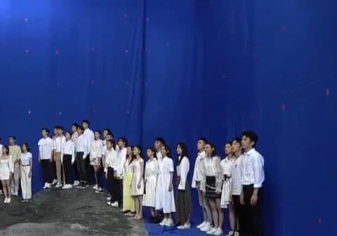 易烊千玺王俊凯刘昊然陈飞宇陈学冬周冬雨一起拍MV第一眼看谁?