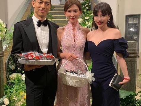 王力宏娇妻晒与林志玲夫妇的合照,两个baby表情引发新娘怀孕猜测