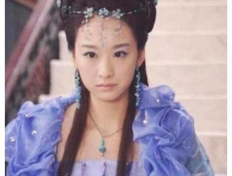 """身为""""雷剧女王""""的她,出道13年都没火,吴奇隆和陈浩民带不动"""