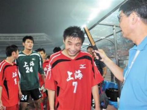 中国的足球是贵族运动,你知道培养武磊他父母花了多少钱吗?