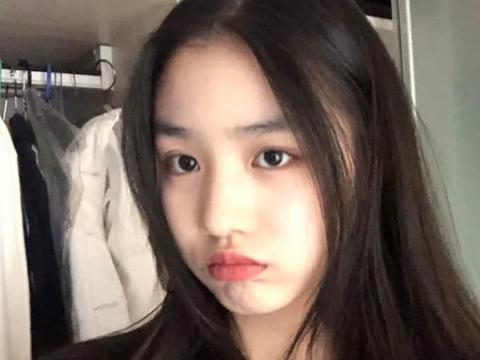 汪峰女儿小苹果晒原创音乐,完美遗传音乐基因,粉丝:何时出道