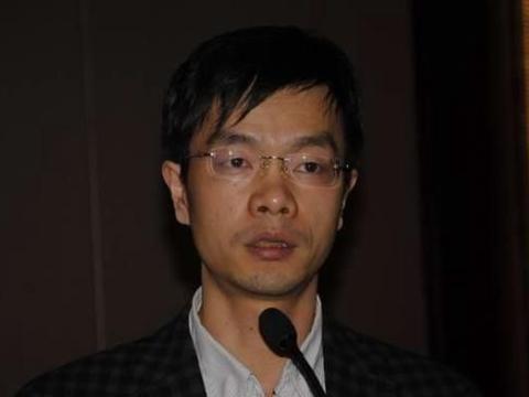 月薪600死心塌地追随刘强东18年,今活成这样,滴水之恩涌泉相报