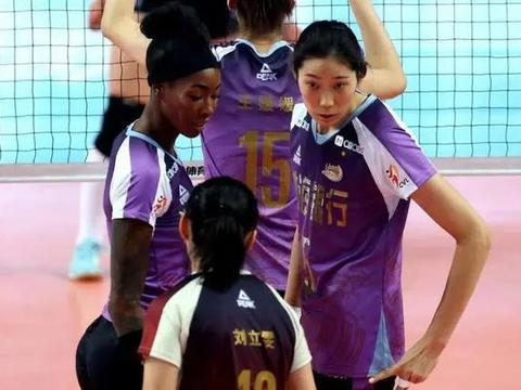 中国女排世界杯冠军全进8强!一队无冠军成员,天津女排人数最多