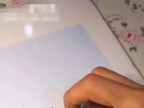 """美术生用手指作画,本以为是小学生做法,没想到却能""""妙指生花"""""""