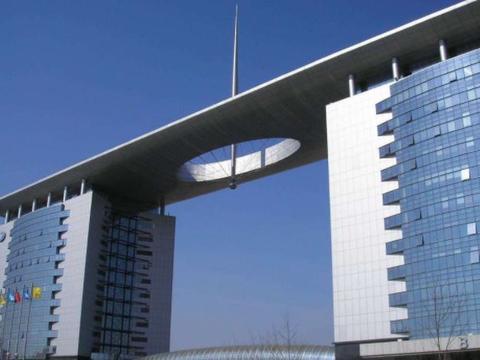 李书福曾放豪言:未来中国车企只会剩3家车企,其余的都会被吞并